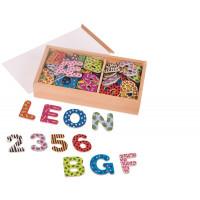 Farebné drevené magnetické písmená a číslice 88 ks Goki